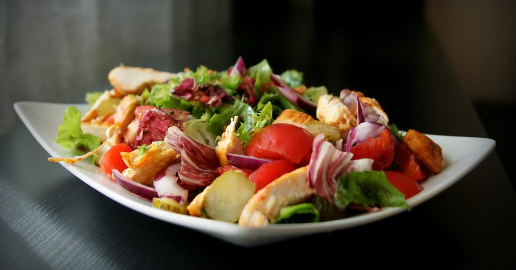 Phase 2 Fast metabolism recipe: chicken and vegetable salad